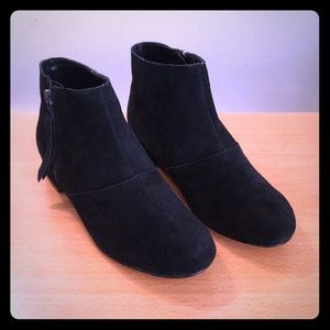 Dolce Vita Black Suede Booties size 6